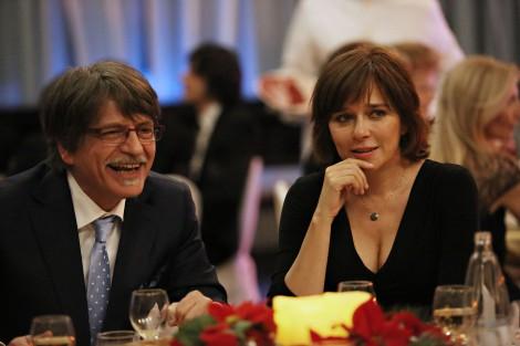 Dino Ossola (Fabrizio Bentivoglio) et Roberta Morelli (Valeria Golino)